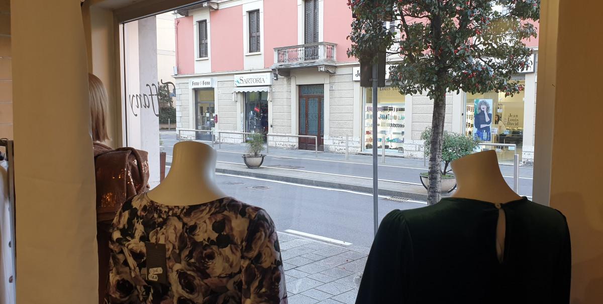 Mondo Attività: Negozio di abbigliamento donna a Brescia(21)