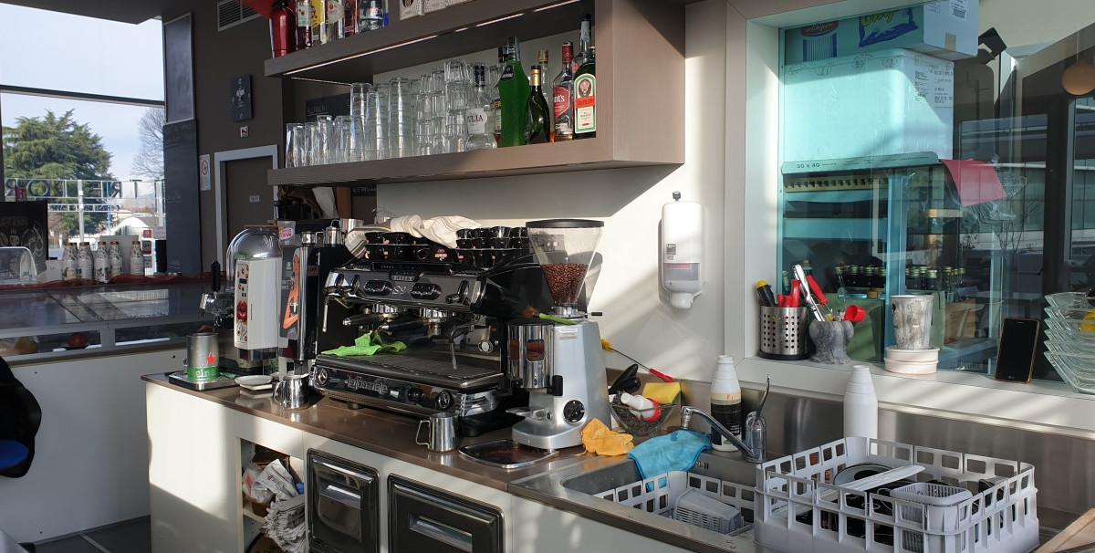 Mondo Attività: Bar con Tavola Calda a Brescia(11)