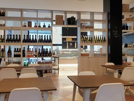 Bar con Tavola Fredda a Brescia, zona Tribunale