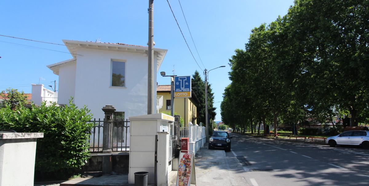 Mondo Attività: Tabaccheria a Brescia, zona Chiesanuova(8)